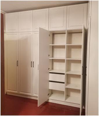 Шкаф распашной в стиле неоклассика т. 904522