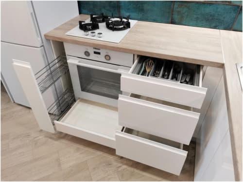 Кухня белая МДФ глянец с интегрированной ручкой